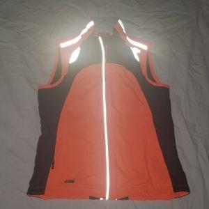 Saucony running vest